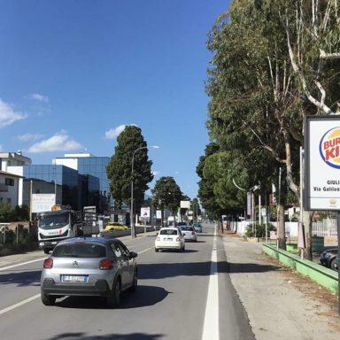Cartelli pubblicitari stradali di avvicinamento a Tortoreto