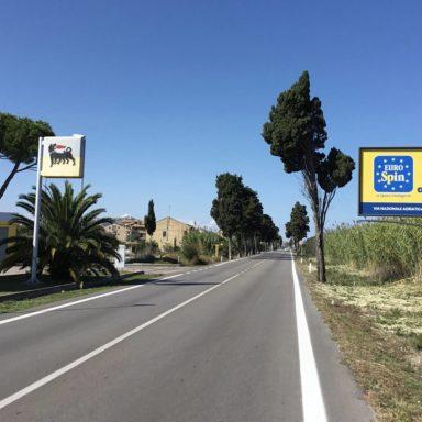 Cartelli pubblicitari su SS16 Adriatica da Tortoreto a Misano Adriatico