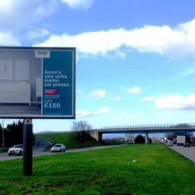Cartello pubblicitario 4x3 Ikea a Prato su Permoranea