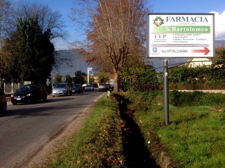 Cartello pubblicitario di avvicinamento via Casilina a Cassino