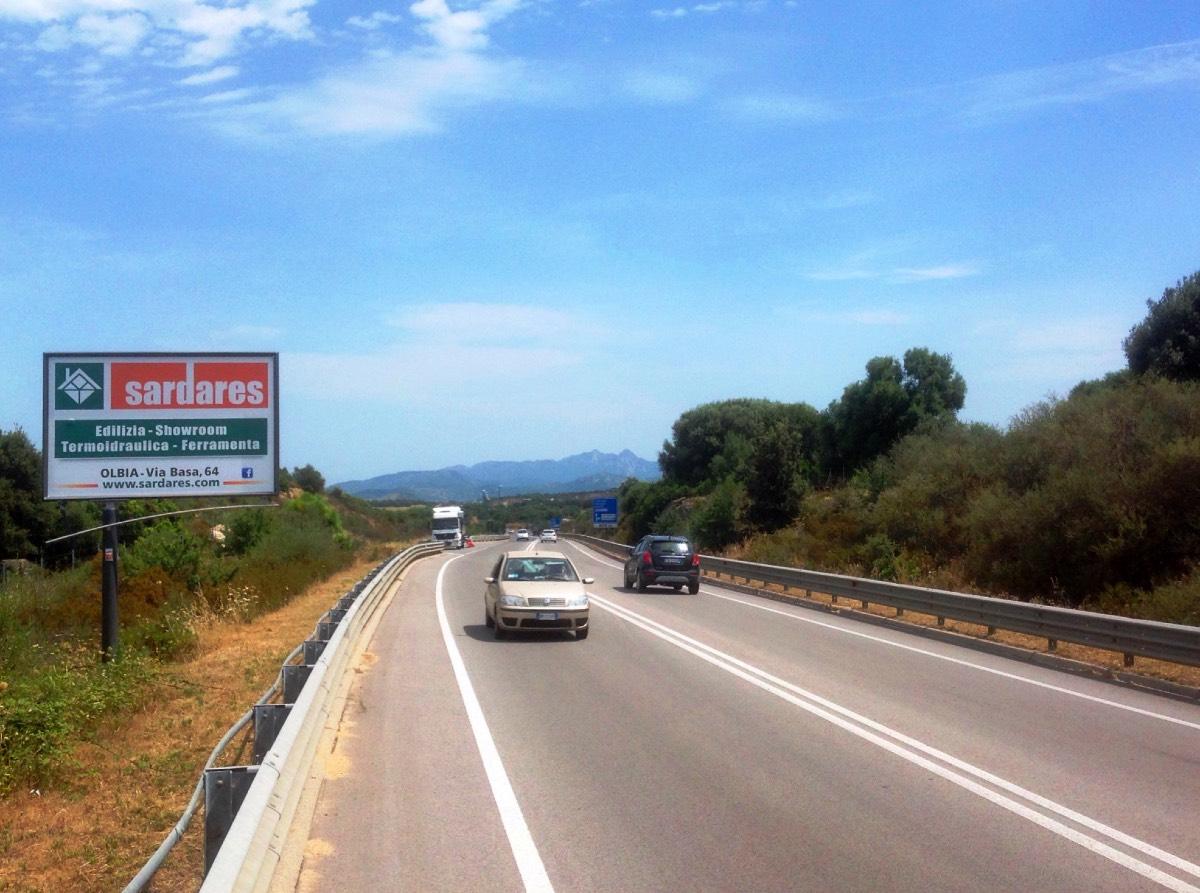 Cartelli pubblicitari Sardegna | tangenziale di Olbia