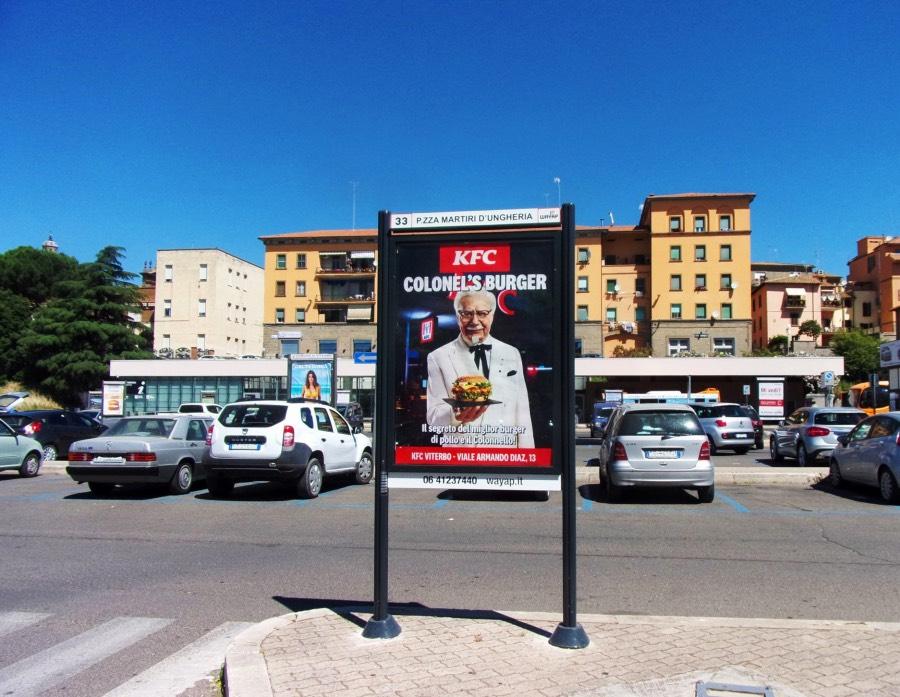 Pubblicità su affissione a piazza Martiri d'Ungheria a Viterbo